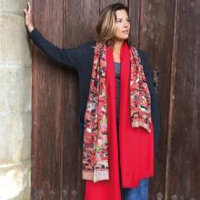 Discover Petrusse stoles, scarves and shawls for women and for men, in cashmere, wool, silk and cotton. These are not just accessories, they are an integral part of an outfit.
