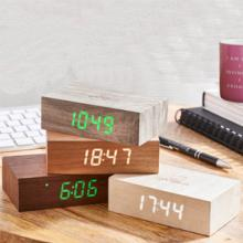 Gingko is a design-led, technology-centred and people-driven company based in Worcester, UK.  Fascinated by technology and time, the company has designed award winning clocks, speakers and lights that respond to modern technology.